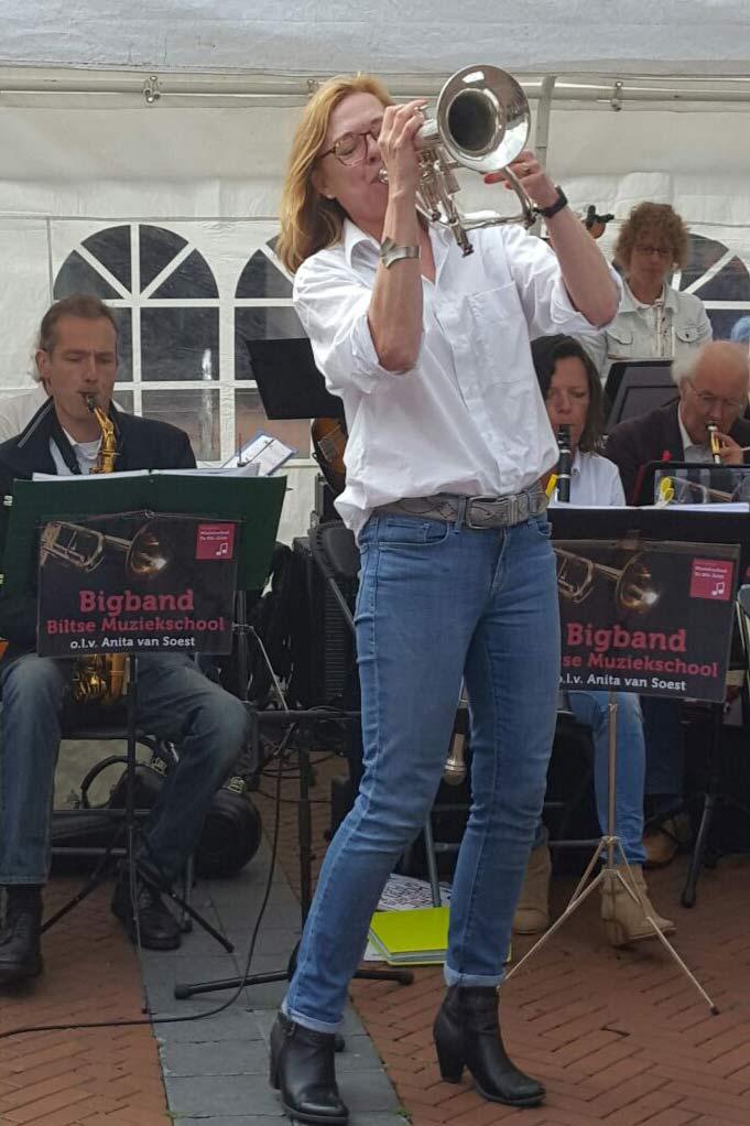 Bigband Biltse Muziekschool o.l.v. Anita van Soest