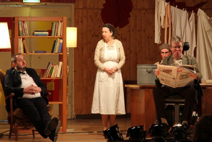 Scenefoto Muziektheatervoorstelling Buren